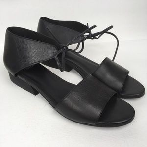 EILEEN FISHER Sz 8 Black Leather Sandals